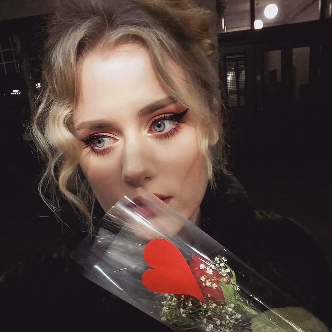 3. Ellinor Hellborg – sobowtórka Adele