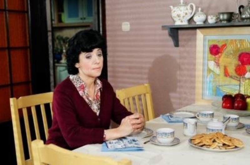 """Hanna Śleszyńska jako Jadwiga Kraśniak w serialu """"Rodzina zastępcza"""""""