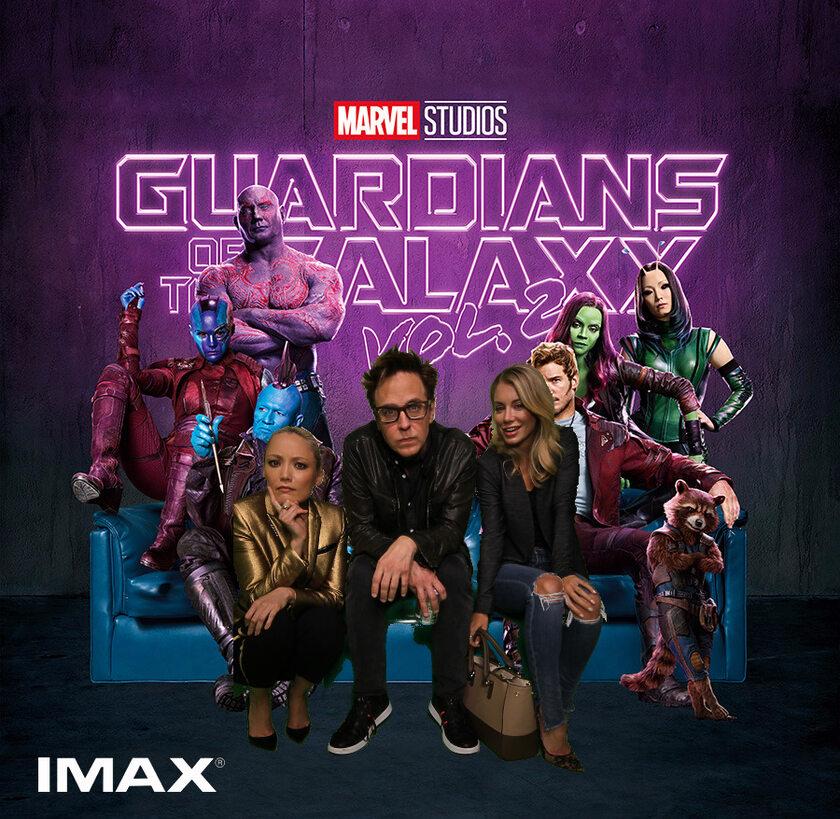 """James Gunn (w środku) oraz obsada """"Strażników Galaktyki"""""""