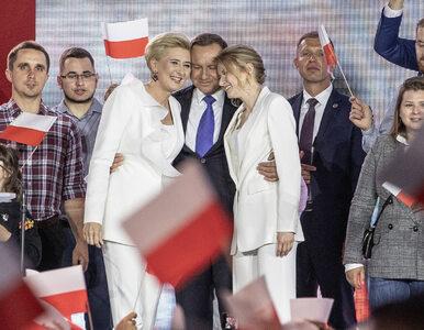 Agata i Kinga Duda na biało, Małgorzata Trzaskowska na niebiesko. Tak...