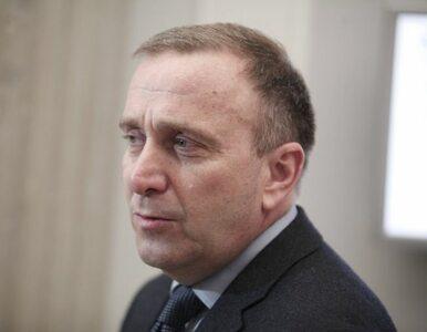 """Schetyna krytykuje Sienkiewicza. """"Pod ambasadą powinny być barierki"""""""
