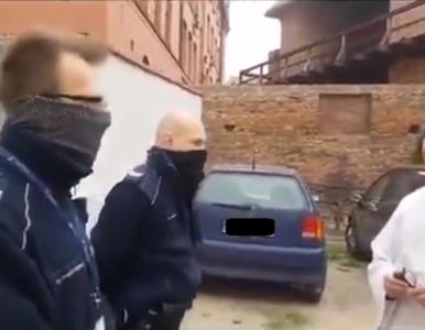 Funkcjonariusze przesłuchiwani przez księdza. Rzecznik policji komentuje...