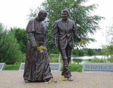 Zdewastowano pomnik papieża Jana Pawła II i prezydenta Reagana w Gdańsku