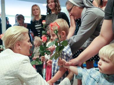 Agata Kornhauser-Duda odwiedziła Dom Samotnej Matki. Dzieci wręczyły jej...