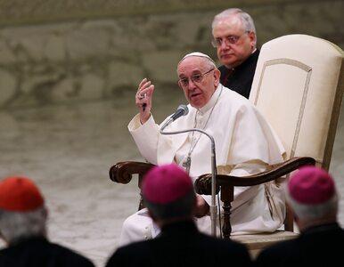 """""""Ktoś tu jest głodny"""". Papież zachęcił mamy do karmienia w Kaplicy..."""