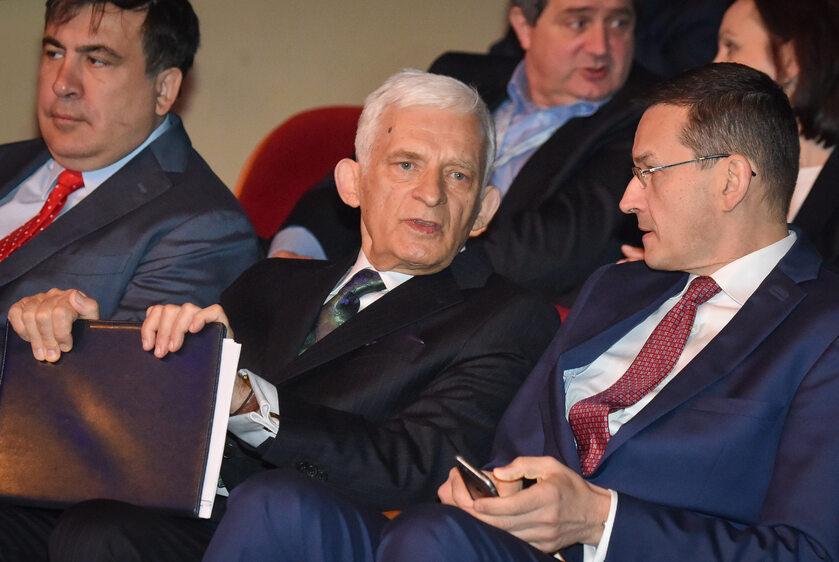 Od lewej: gubernator Odessy , były prezydent Gruzji Micheil Saakaszwili, były premier Jerzy Buzek , wicepremier Mateusz Morawiecki