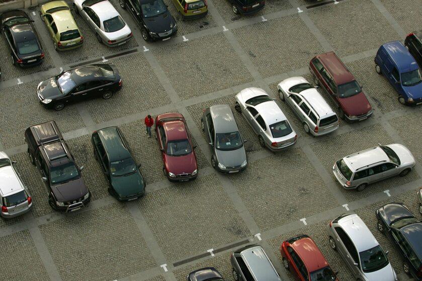 Parking, zdj. ilustracyjne