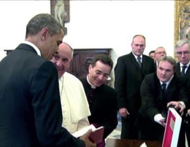"""Obama dostał od papieża encyklikę. """"Pomoże mi się uspokoić"""""""