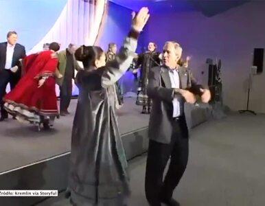 Kreml opublikował archiwalne nagrania. Putin tańczył z Bushem i pływał z...