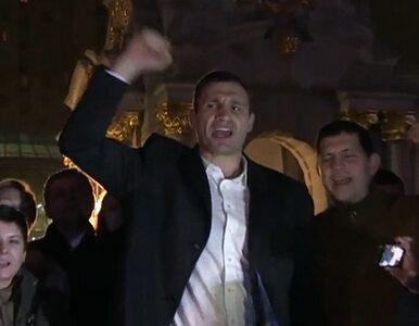 """Kliczko z protestującymi na Majdanie. """"Pójdziemy do Janukowycza!"""""""