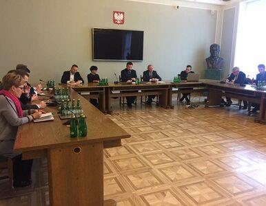 Pierwsze zebranie zespołu smoleńskiego PO. Kierwiński przedstawił 5...