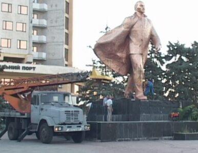 """Demontaż pomnika Lenina na Ukrainie. """"Zdradziliście ojczyznę"""""""