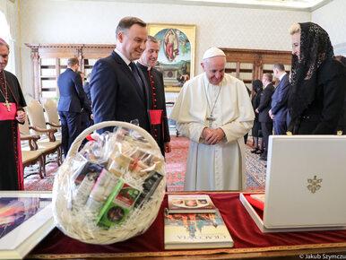 """Audiencja pary prezydenckiej u papieża Franciszka. """"Prosił, bym..."""