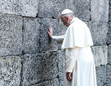 """Samotna wizyta Franciszka w Auschwitz-Birkenau. """"Panie, przebacz tyle..."""