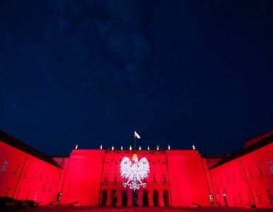 Pałac Prezydencki jest biało-czerwony z okazji Cudu nad Wisłą