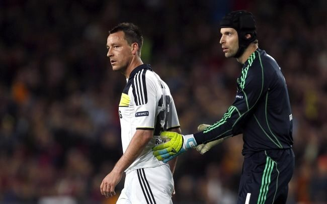 Petr Cech - człowiek, którego nie umie pokonać Messi (fot. EPA/ALBERTO ESTEVEZ/PAP)