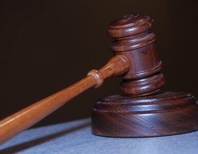 Oskarżny o znęcanie, pociął się w czasie rozprawy żyletką