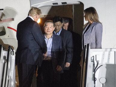 Trzej więźniowie uwolnieni z Korei Północnej dolecieli do USA. Są...