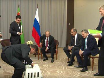 Nietypowy prezent dla Władimira Putina. Tego chyba się nie spodziewał