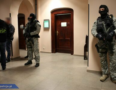 Funkcjonariusze CBŚP z Olsztyna z zarzutami, ale na wolności