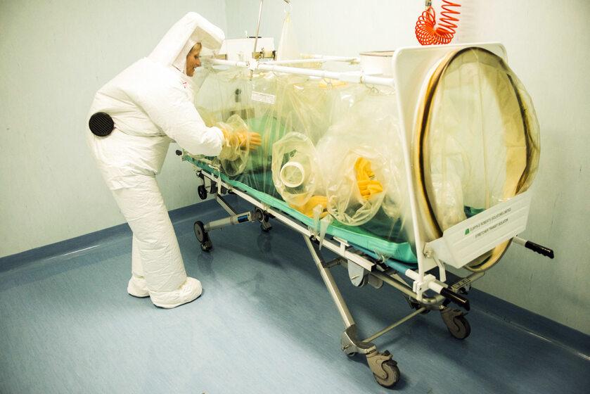 Lekarz w szpitalu w Mediolanie