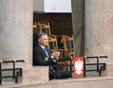 """Morawiecki wnioskuje o wotum zaufania, prezydent mówi o """"satysfakcji""""...."""