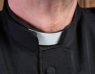 Resort finansów ujawnił, ile zarabiają kapelani w Izbach Administracji...