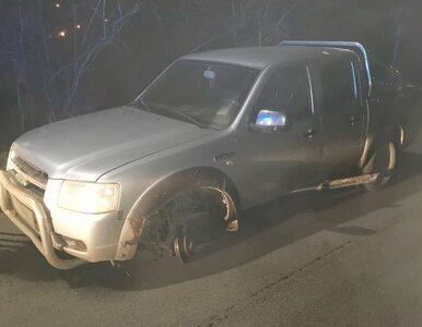 Pijany kierowca jechał autem bez jednego koła