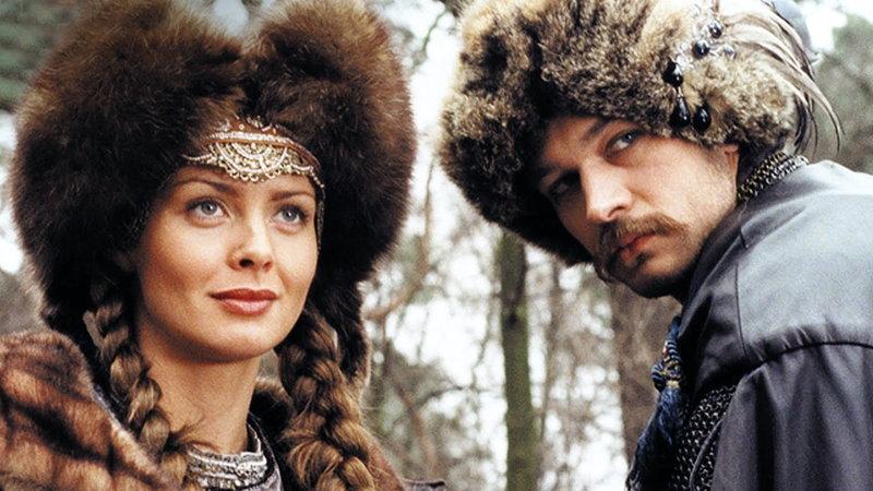 """Izabella Scorupco jako Helena Kurcewiczówna w filmie """"Ogniem i mieczem"""" (1999)"""