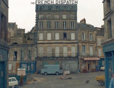 """Jest zwiastun """"The French Dispatch"""" Wesa Andersona. Ronan i Chalamet nie..."""