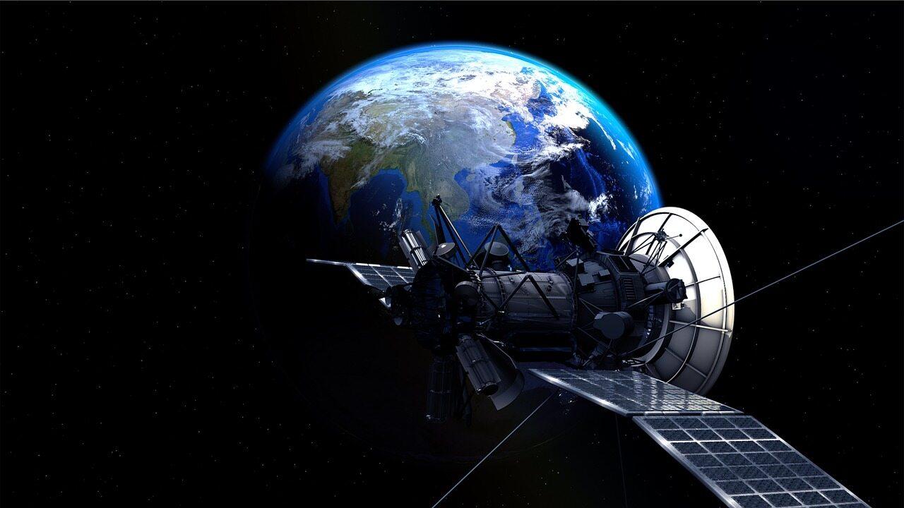Ziemia, satelita - zdjęcie ilustracyjne