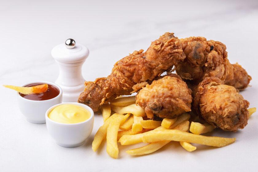 Skrzydełka z kurczaka, zdjęcie ilustracyjne