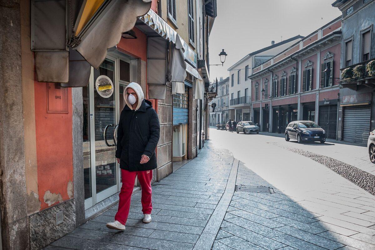 Puste ulice w Codogno