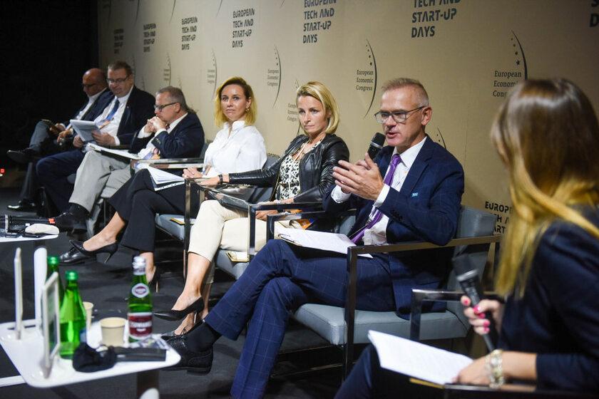 """Debata """"Rolnictwo i przemysł spożywczy wobec zmian klimatu"""" zorganizowana w ramach Europejskiego Kongresu Gospodarczego w Katowicach"""