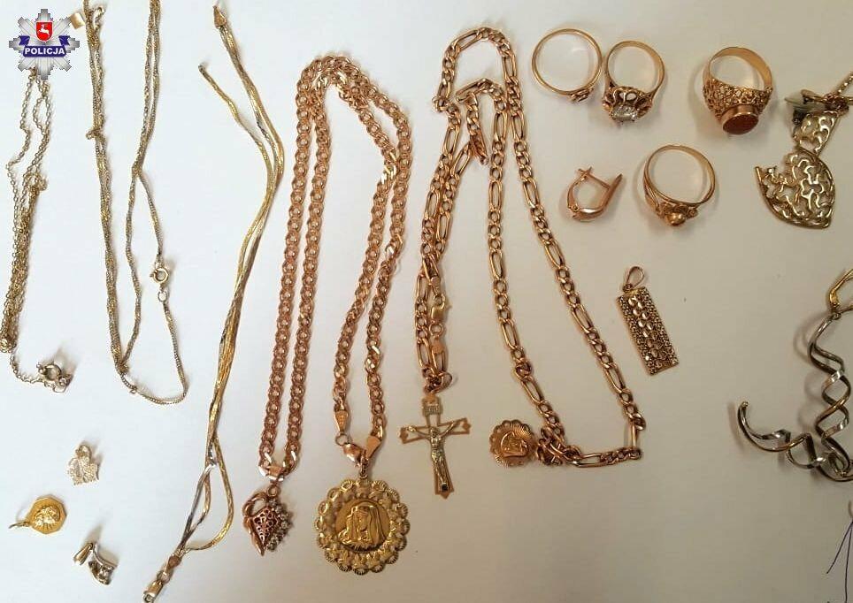 90-latka odpowie za kradzież biżuterii