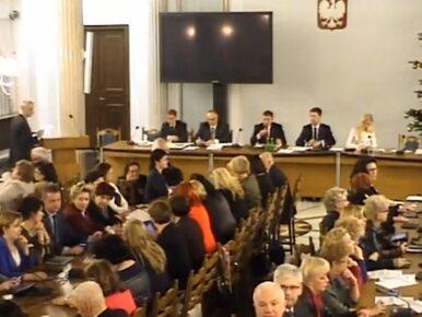 """Krytyczne opinie, których nie zamieszczono na stronie Sejmu. """"Obrady..."""