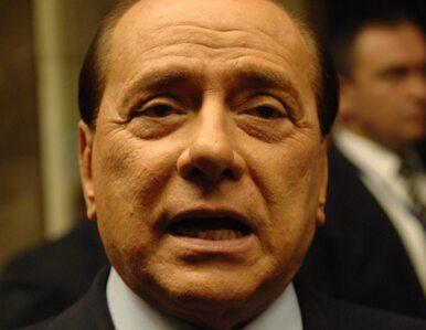 Berlusconi szokuje: lepiej patrzeć na ładną dziewczynę, niż być gejem