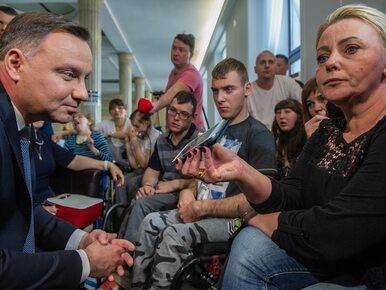 Protest niepełnosprawnych i ich opiekunów. Przygotowywana jest sala do...