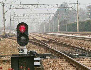 TIR uderzył w pociąg TLK. Pożar na kolei
