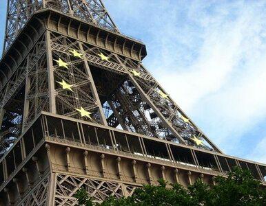 Alarm bombowy w Paryżu. Ewakuowano wieżę Eiffla i metro