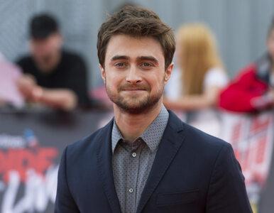 """Daniel Radcliffe reaguje na transfobiczne wpisy J.K. Rowling. """"Kobiety..."""