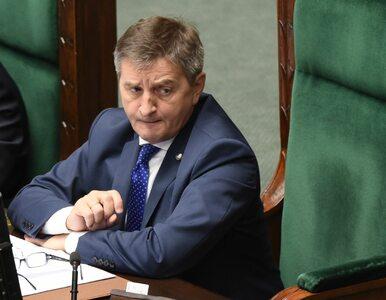 Kto zapłacił za lot Kuchcińskiego i jego syna do Rzymu? Sejm wyjaśnia