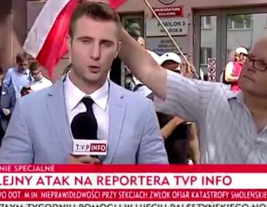 Incydent na antenie TVP Info. Dziennikarz musiał przerwać relację i...