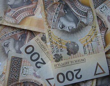 Szydło chce nałożyć podatek na banki, by pokryć koszt swojej obietnicy