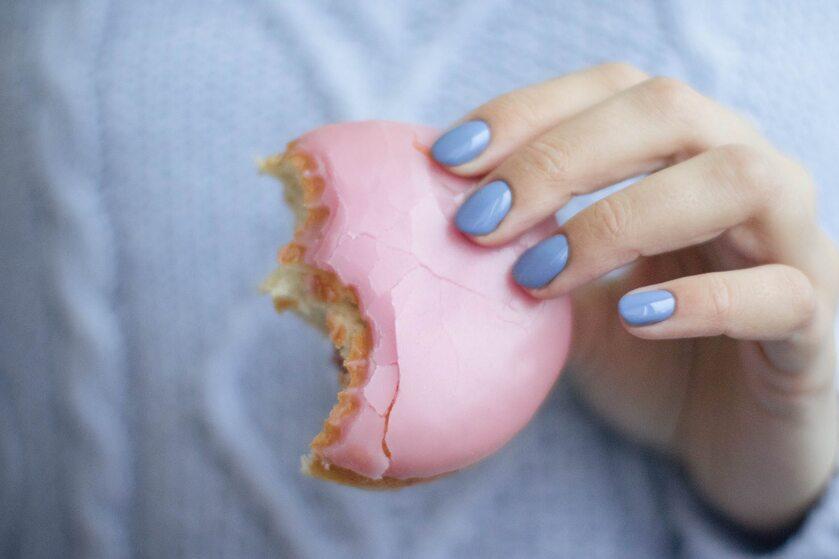 Jedzenie słodyczy
